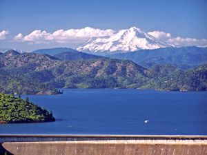 ShastaDam, Shasta Lake, Mt. Shasta in 2006